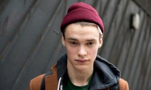 Model Simon Kuzmckas helixes his Ebay hat.