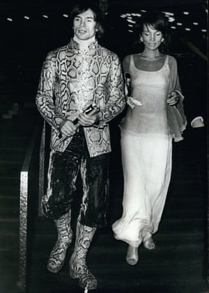Ballet dancer Rudolph Nureyev, accompanied by Lee Radziwill, arrive at the Metropolitan Opera, New York in 1974.