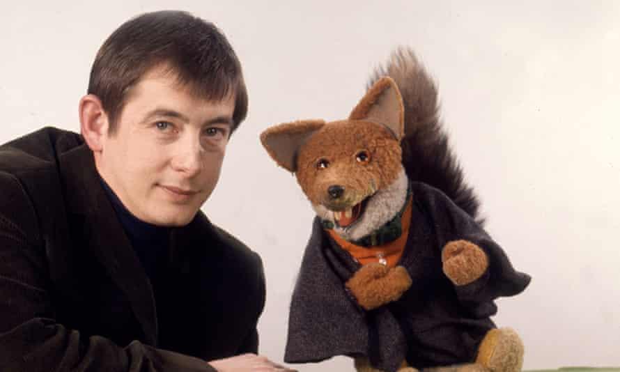 Derek Fowlds as 'Mr Derek' with his joke-cracking co-star, the wily fox Basil Brush, on The Basil Brush Show.