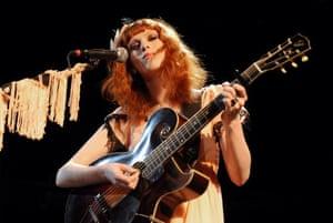 Karen Elson performing in New York in 2010