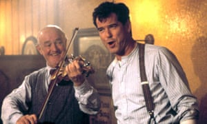 Frank Kelly, left, with Pierce Brosnan in Evelyn, 2002.