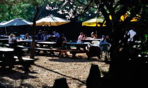 The Alpine Inn Beer Garden today – still a place where Silicon Valley crowds gather.
