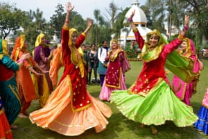 Amritsrar, IndiaWomen wear traditional Punjabi dress as they perform the 'Giddha' dance during celebrations