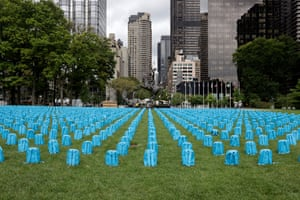 New York, US. Backpacks on the lawn of the United Nations headquarters, each one representing the loss of a young life to conflict during 2018. The installation of 3,758 backpacks is a message to world leaders ahead of the annual UN General Assembly and the 30th anniversary of the Convention on the Rights of the Child