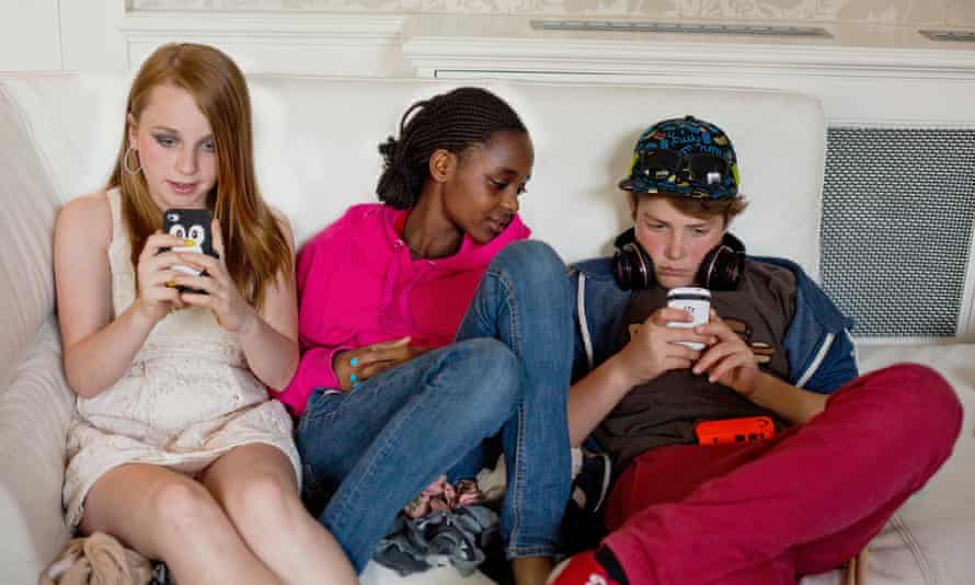 Phones apps open new avenues for teens to date.