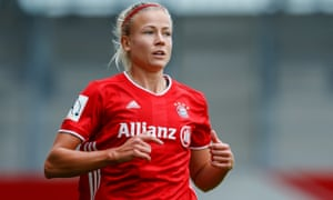 Michael Kallback ranks Hanna Glas as the best right back in the world after Lucy Bronze.