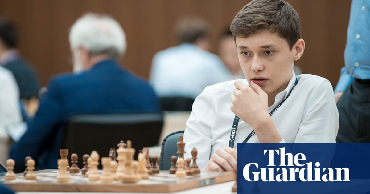 Chess: Carlsen eases into World Cup semi, but Esipenko is emerging star