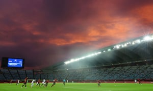 Ivory Coast coast attack the Spanish end to find a winner as the sun sets over Miyagi Stadium.
