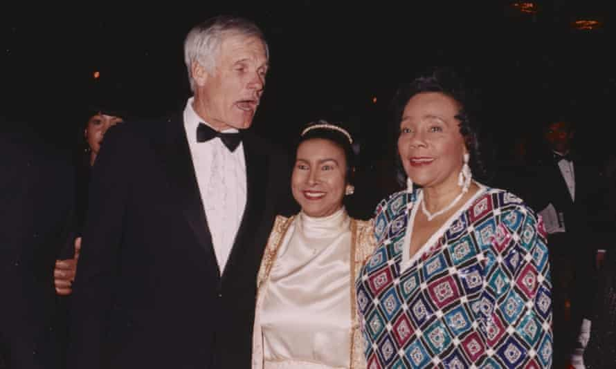 Ted Turner, Xernona Clayton and Coretta Scott King at a Trumpet awards gala in 1994