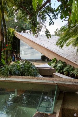 """Elaine Wynn and Tony Ressler, co-chairs of LACMA's board of trustees, said: """"We are so thrilled that the gift of this work of architecture expands LACMA's collections to include one of John Lautner's masterpieces."""""""