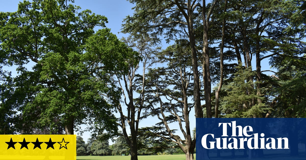 'Joyous, surprising and wonderfully silly' – Tino Sehgal's Blenheim invasion