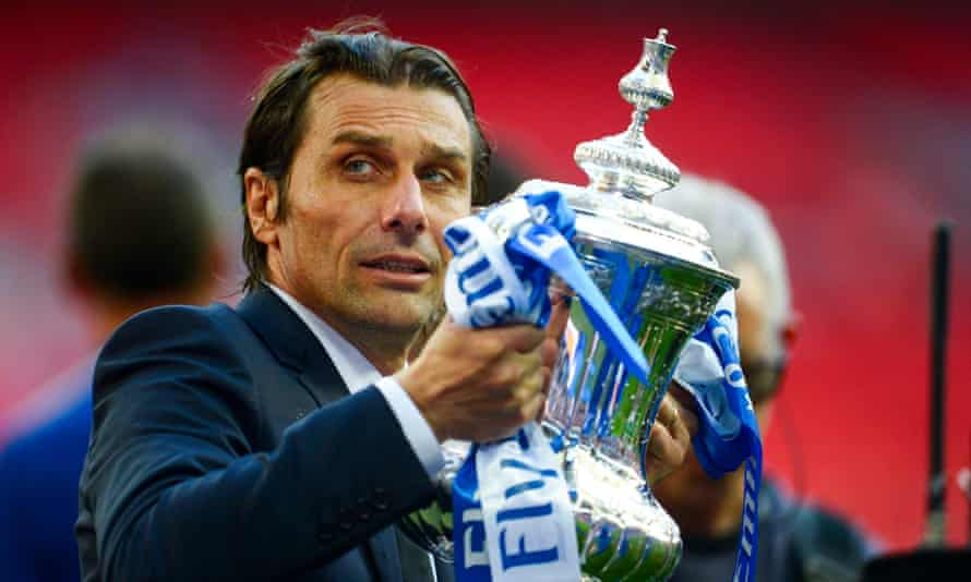 Antonio Conte lifts the FA Cup after Saturday's victory