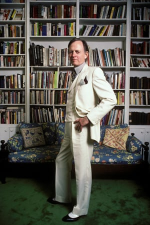 Tom Wolfe during a portrait session in his New York home in January 1988