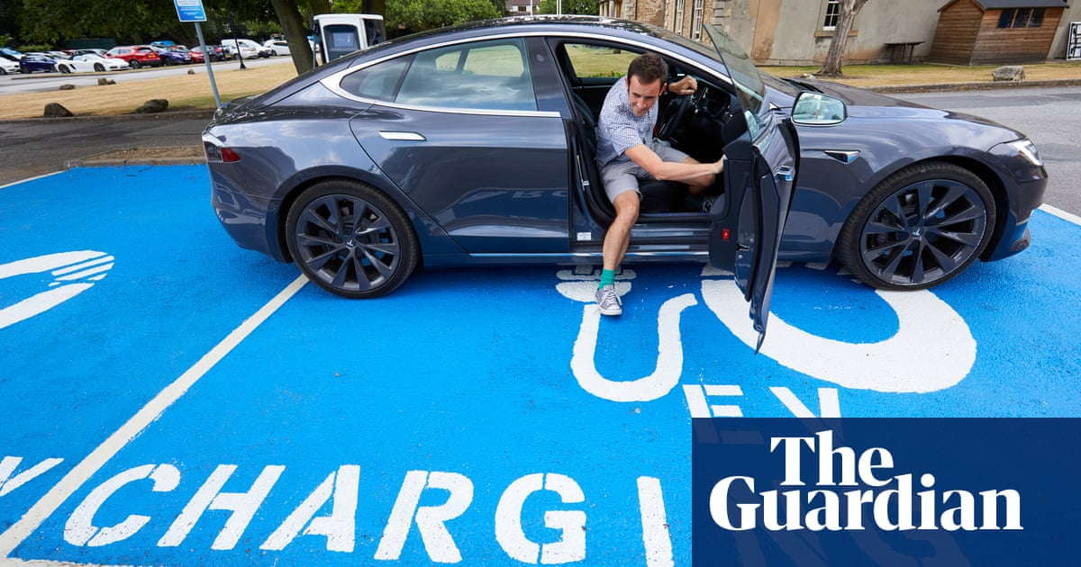 Electric Cars Could Form Battery Hubs To Store Renewable