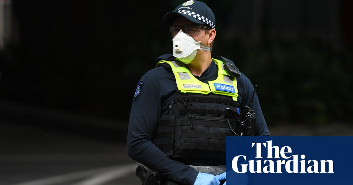 Man eating kebab on bench among 50 people fined in NSW and Victoria for violating coronavirus laws – The Guardian