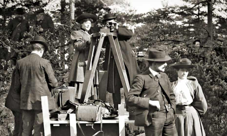 The woman stays in the picture … Alice Guy-Blaché, top left, on the France set of The Life of Christ in 1906.