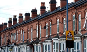 ( More than 2.3m families living in fuel poverty in England )
