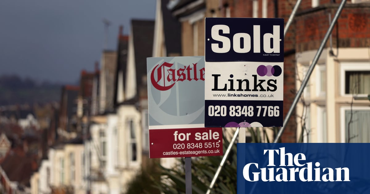 First-time buyers benefit from weak house price growth