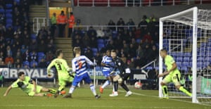 Matej Vydra notches his 2nd goal of the game to give Reading the lead.