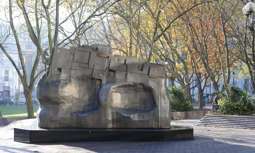 Piscator, Sir Eduardo Paolozzi's sculpture at Euston station in London
