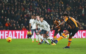 Tom Huddlestone slots home the penalty.
