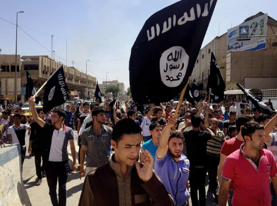 Pro-Islamic State demonstrators in Mosul in 2014.