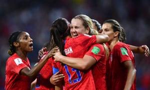 Một số khán giả 11m đã theo dõi đội tuyển Anh thất bại trước Hoa Kỳ trong trận bán kết World Cup tại Lyon trên BBC.
