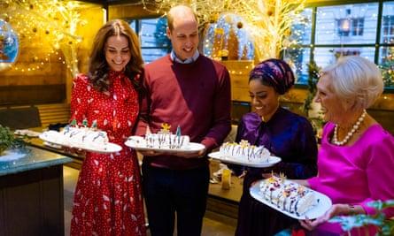 Nadiya Hussain avec le duc et la duchesse de Cambridge et Mary Berry à l'émission A Berry Royal Christmas de la BBC en 2019