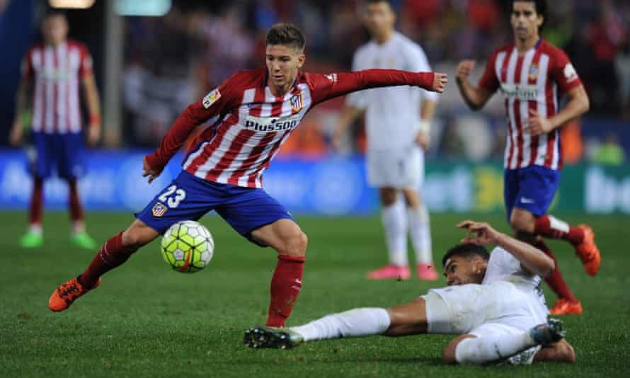 Luciano Vietto scored late to deny Real Madrid victory over Atlético.