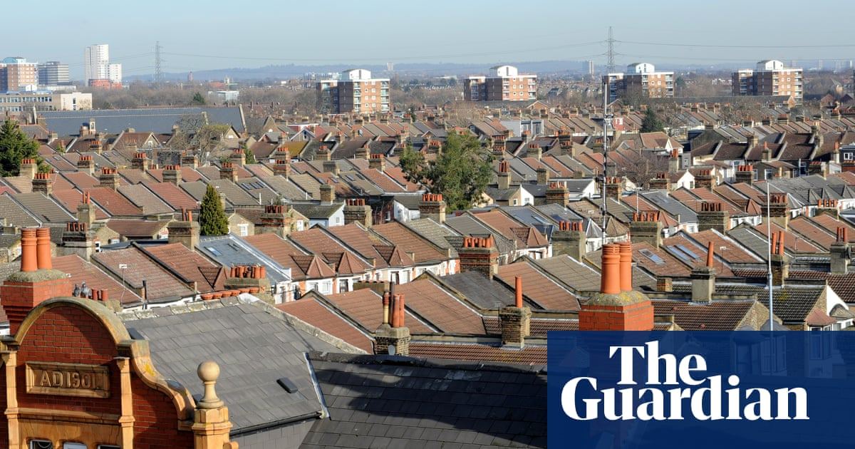 40% of households in four London boroughs claiming housing costs – report