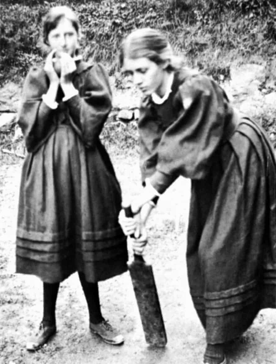 Virginia Woolf, left, with her sister Vanessa in St Ives in 1894.