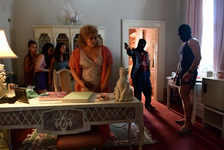 Doreen (Rebel Wilson) is visited by some unexpected guests.