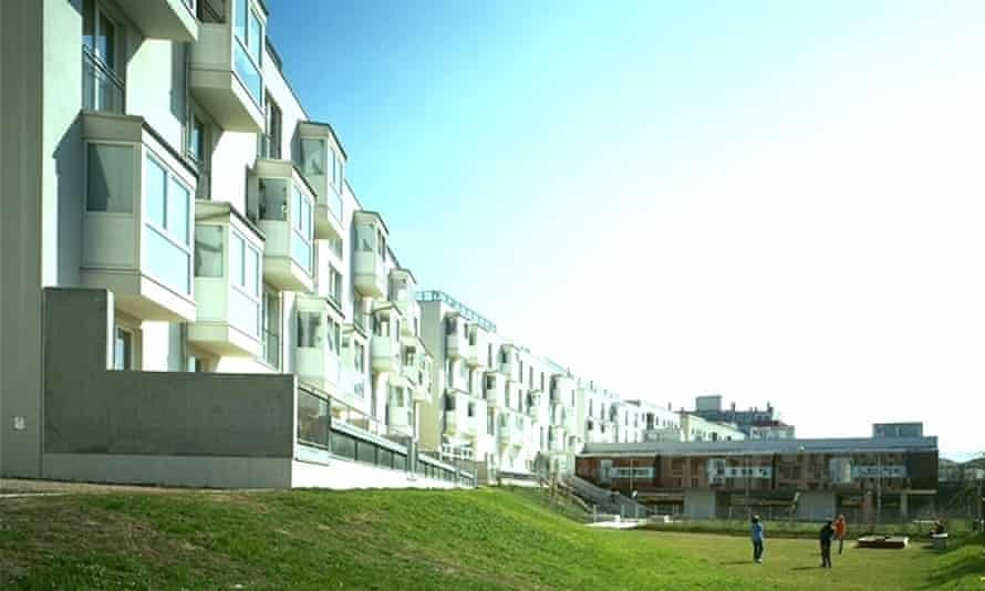 Accommodation, the kindergarten and the one f the play areas of Frauen-Werk-Stadt