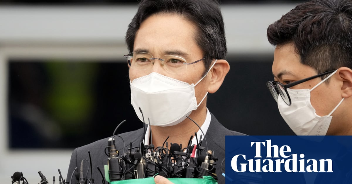 Disgraced Samsung boss released early from South Korean prison