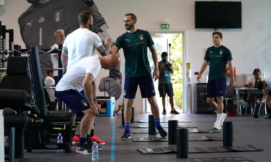 Leonardo Bonucci (centre) together with Italy teammates at the Coverciano training ground on Thursday.