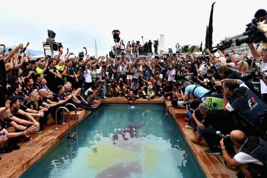Daniel Ricciardo celebrates F1 victory in Monaco