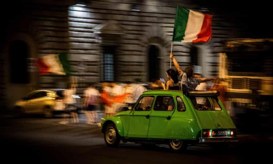 Italian flags in Rome on Sunday night