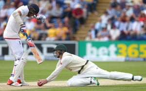 <strong> Day Two</strong><br>Adam Voges steams in from short leg to take the ball when it lands pretty much on the Broad's toes - he claims the catch, Erasmus raises his finger, but replays very conclusively show the ball touching the ground on its way into his hands.