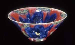 Janice Tchalenko developed glazes of great richness and depth of colour as on this reduced stonewarebowl, 1985.