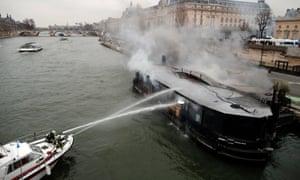 Boat alight