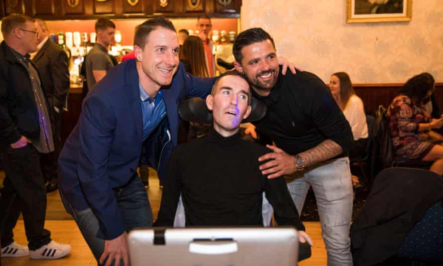 Fernando Ricksen at an ex-servicemen's club in Glasgow last week with his former Rangers teammates Nacho Novo and Gregory Vignal.