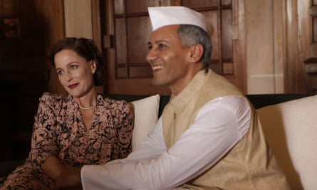 Gillian Anderson as Edwina Mountbatten and Tanveer Ghani as Jawaharlal Nehru.
