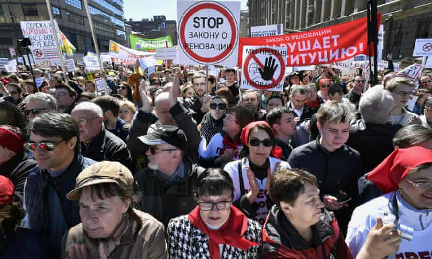 Demonstrators march in Moscow against the city's controversial plan to knock down Soviet-era apartment blocks