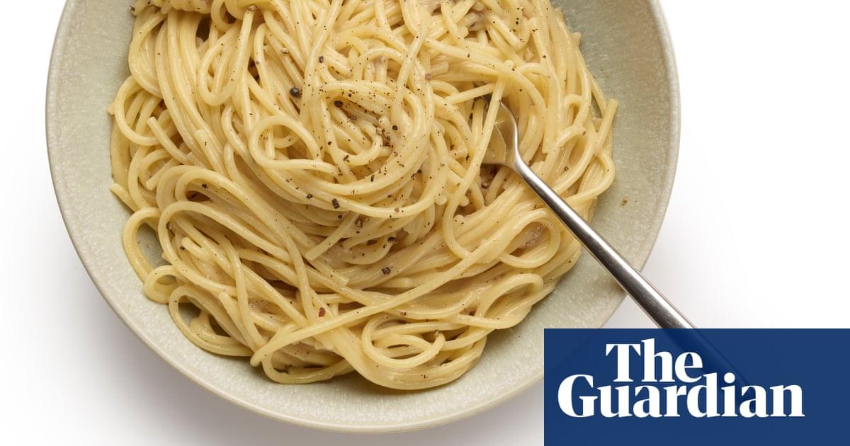 How to make pasta cacio e pepe – recipe