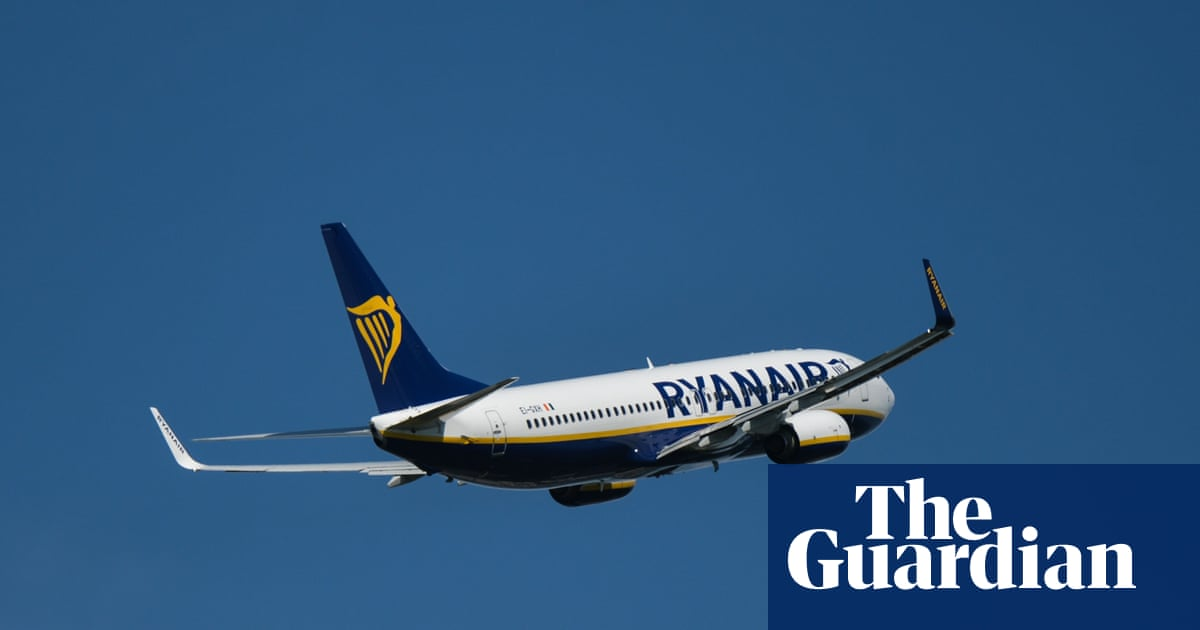 Ryanair and airport group launch legal action over travel 'traffic light' system