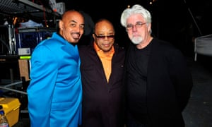 James Ingram, left, with the producer Quincy Jones, and Michael McDonald, with whom Ingram duetted on Yah Mo B There, backstage at the Bermuda music festival, 2009.