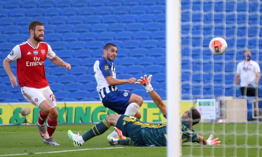 Brighton's Neal Maupay chips home his side's injury-time winner