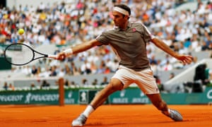 Roger Federer cruised past Italy's Lorenzo Sonegoin his first round match.