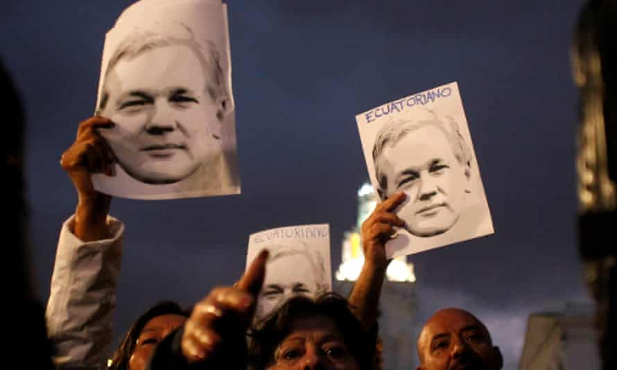 Supporters of WikiLeaks founder Assange demonstrate