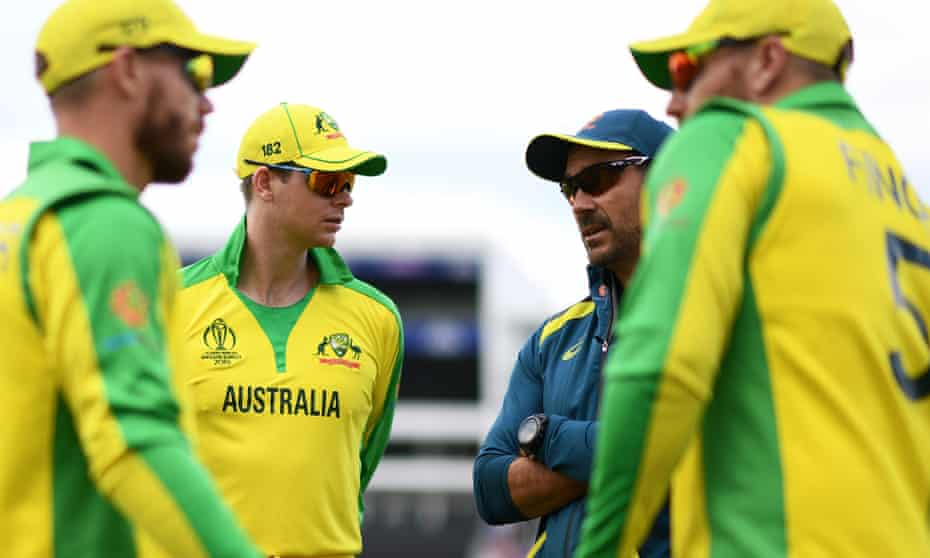Justin Langer and his Australian players